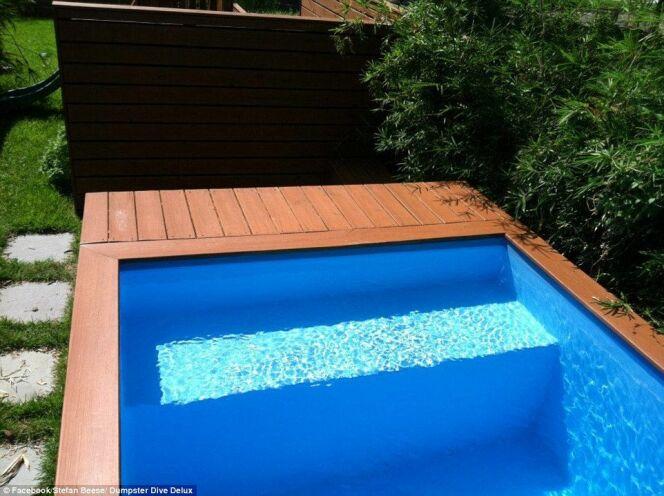"""L'idée récup du jour : une piscine dans un conteneur à ordures<span class=""""normal italic petit"""">DR</span>"""