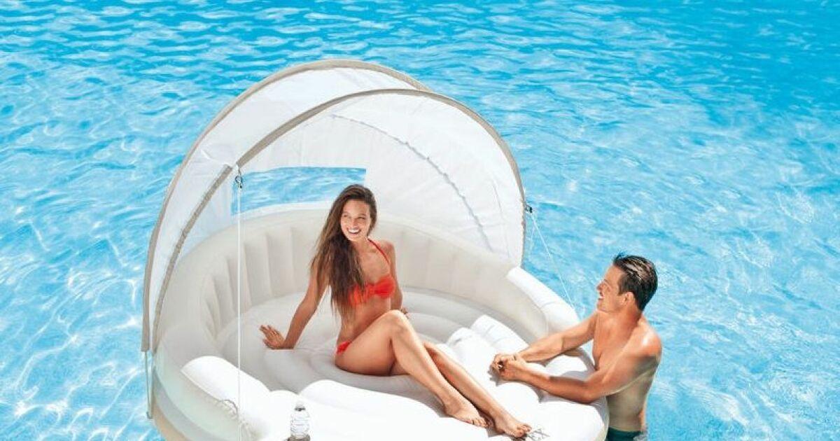 l 39 lot flottant pour piscine confort et d tente dans l 39 eau. Black Bedroom Furniture Sets. Home Design Ideas