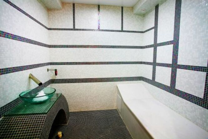 L'installation de votre hammam est la dernière étape avant de profiter d'un bain de vapeur chez vous.