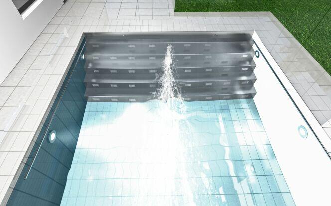 L'installation Hydrostar intégrée dans un escalier de piscine.
