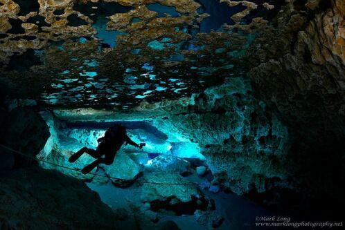 L'intérieur d'une grotte