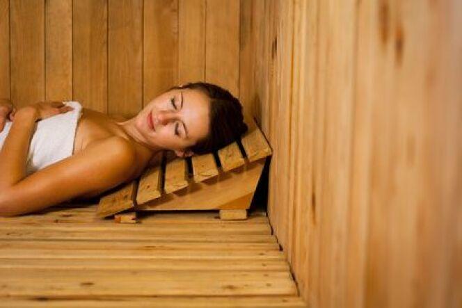 """L'utilisation de la pierre stéatite dans un sauna<span class=""""normal italic petit"""">DR</span>"""