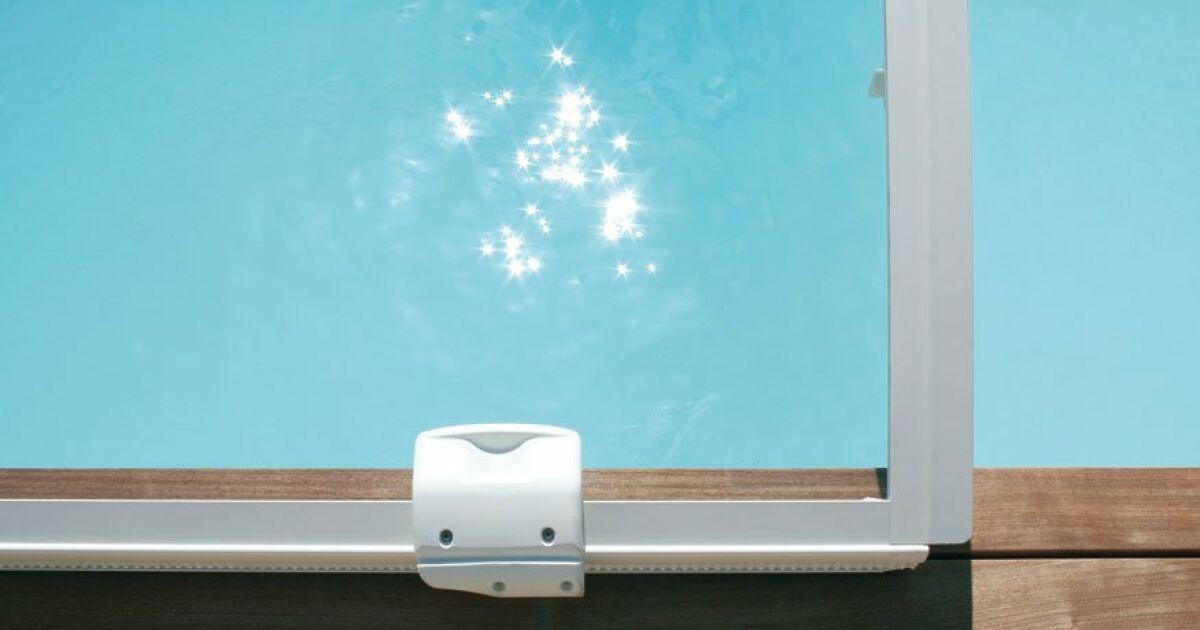 l abri de piscine design. Black Bedroom Furniture Sets. Home Design Ideas