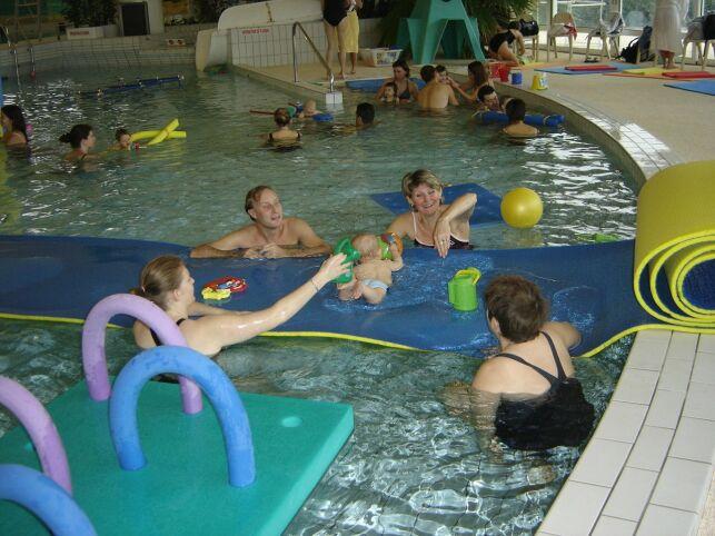 L'activité bébés nageurs à la piscine de Chatelaillon Plage