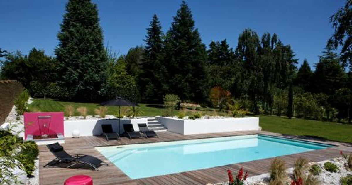 la check list pour l entretien d une piscine en t. Black Bedroom Furniture Sets. Home Design Ideas