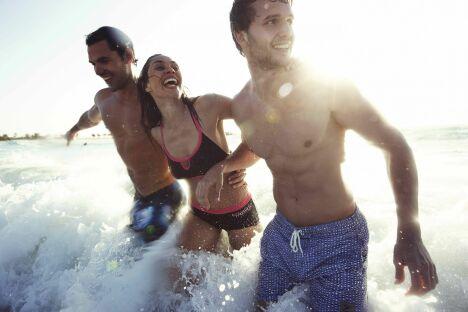 """La collection de maillots de bain homme et femme de Speedo pour l'été 2013.<span class=""""normal italic petit"""">© Speedo</span>"""