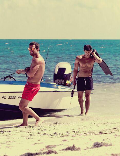 """La collection de shorts de plage unis pour homme par Retromarine.<span class=""""normal italic petit"""">© Retromarine</span>"""