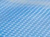 La couverture de piscine à bulles : protéger et réchauffer l'eau de votre piscine