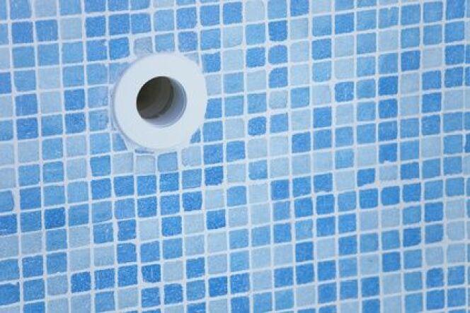 """La faïence comme revêtement de piscine <span class=""""normal italic petit"""">© Fotolia</span>"""
