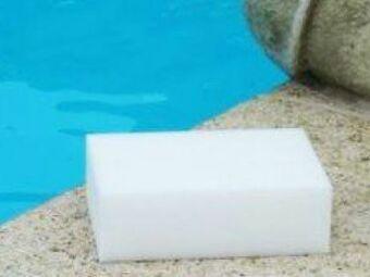 Les gommes anti-taches pour piscine