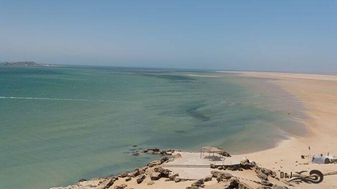 "La lagune de Dakhla où se déroule le Morocco Swim Trek<span class=""normal italic petit"">© 125joursdeglisse</span>"
