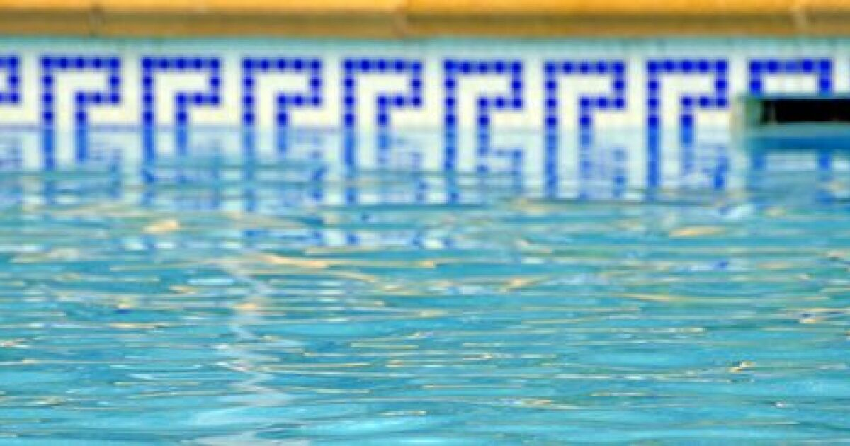 La ligne d eau de votre piscine for Eau piscine