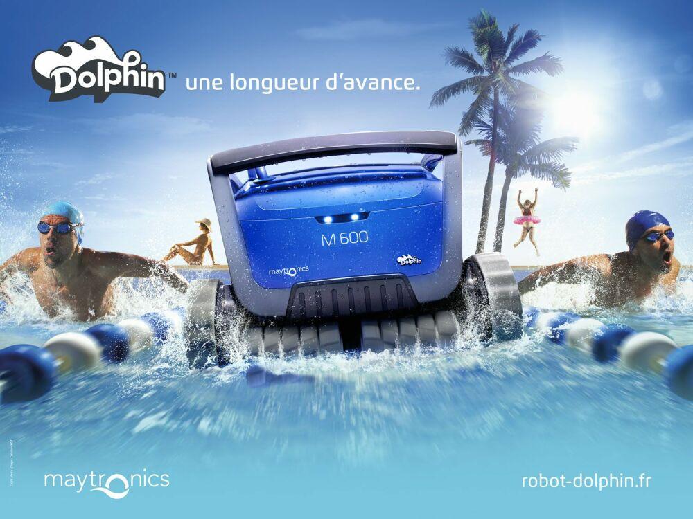 """La marque de robots de piscine Dolphin lance sa campagne """"Une Longueur d'Avance""""© Dolphin"""