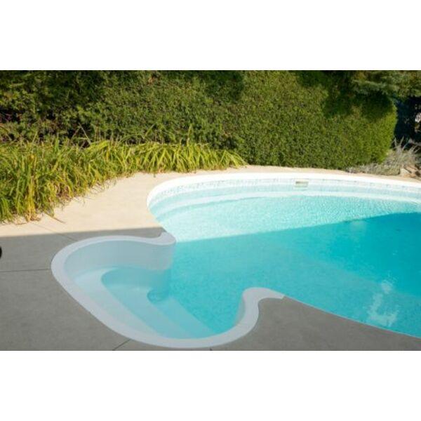 piscine pour petit espace cuisine amenagee petit espace petite cour bien amnage pour grande. Black Bedroom Furniture Sets. Home Design Ideas
