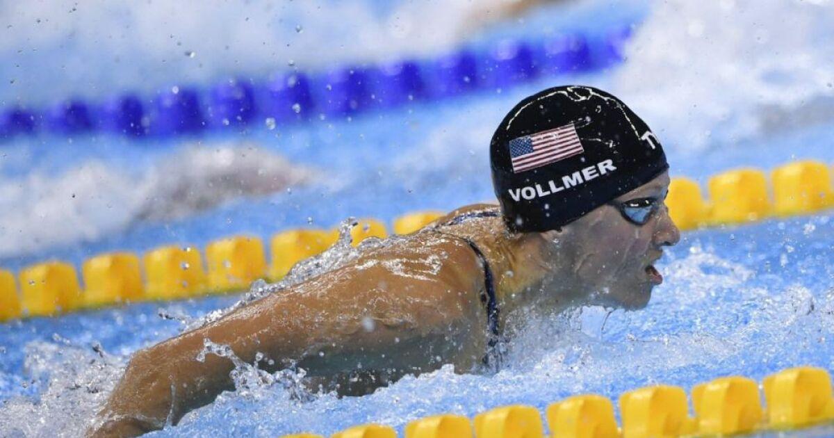 Impressionnant elle nage en comp tition enceinte for Accouchement piscine