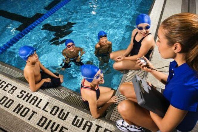 "La natation au collège<span class=""normal italic petit"">© Jupiterimages - Thinkstock</span>"