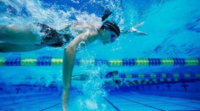"""La natation au quotidien<span class=""""normal italic petit"""">DR</span>"""
