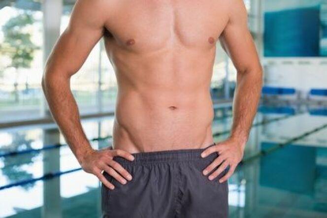 La natation, comme tous les sports, peut influencer vos performances au lit.