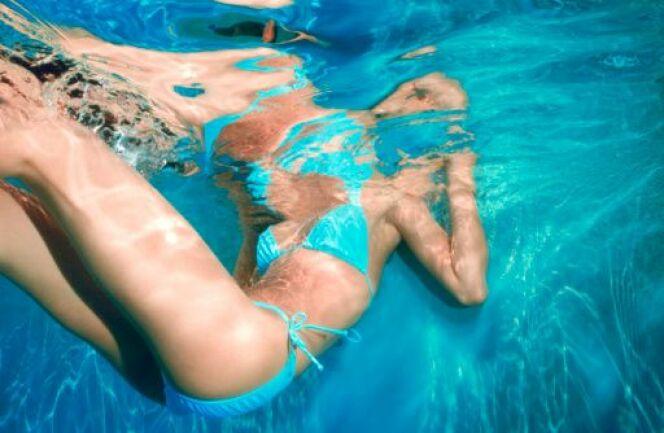 """La natation pour un ventre plat<span class=""""normal italic petit"""">DR</span>"""