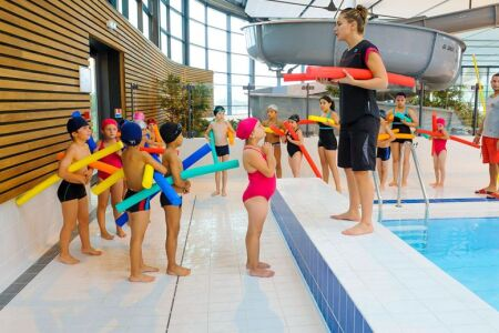 """La natation scolaire : apprendre à nager à l'école<span class=""""normal italic petit"""">DR</span>"""