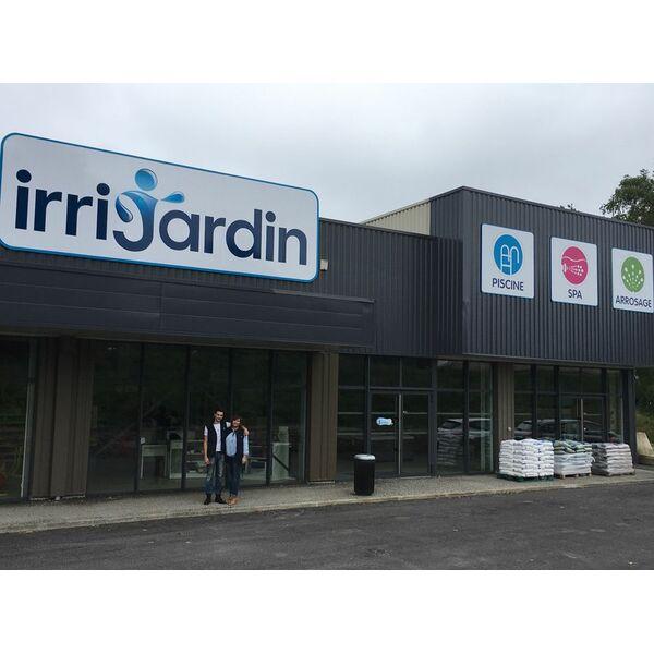 irrijardin poursuit son d veloppement et inaugure son 100 me magasin. Black Bedroom Furniture Sets. Home Design Ideas