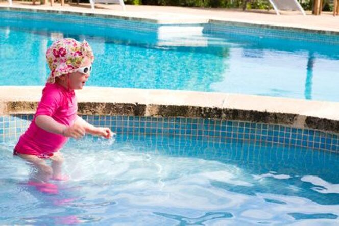 La pataugeoire à la piscine municipale