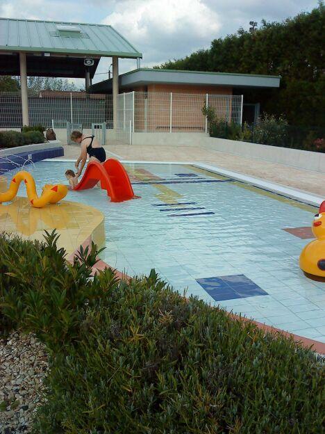 """La pataugeoire de la piscine à Montcornet Chaourse<span class=""""normal italic petit"""">DR</span>"""