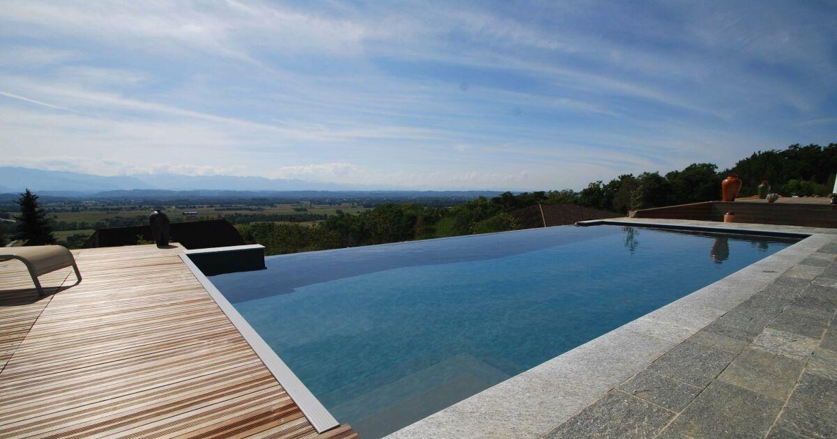 Les plus belles piscines avec vue en photos admirez le for Calcium plus pour piscine