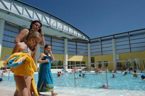 """La piscine à Hyères se découvre par beau temps<span class=""""normal italic petit"""">DR</span>"""