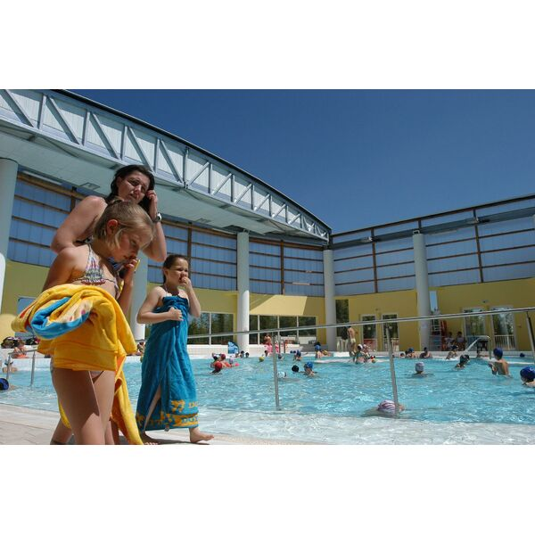 Complexe aquatique piscine hy res horaires tarifs for Piscine sanary