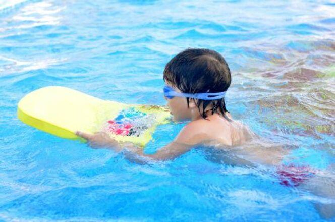 "La piscine à l'école maternelle <span class=""normal italic petit"">© VikaRayu - Thinkstock</span>"