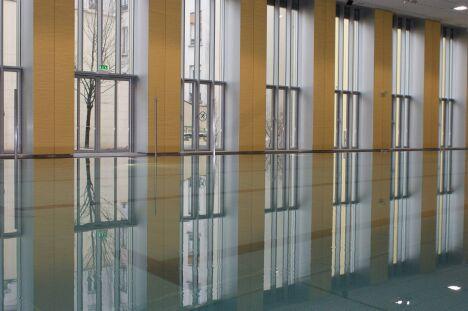 "La piscine Alfred Nakache à Paris (20e)<span class=""normal italic petit"">© Janos Kaldi/Mairie du 20e</span>"