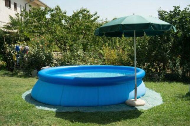 La piscine autostable est facile et rapide à installer.