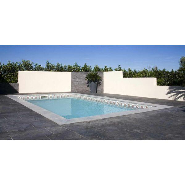 La piscine bermudes coque fond inclin par mediester for Fabricant piscine coque