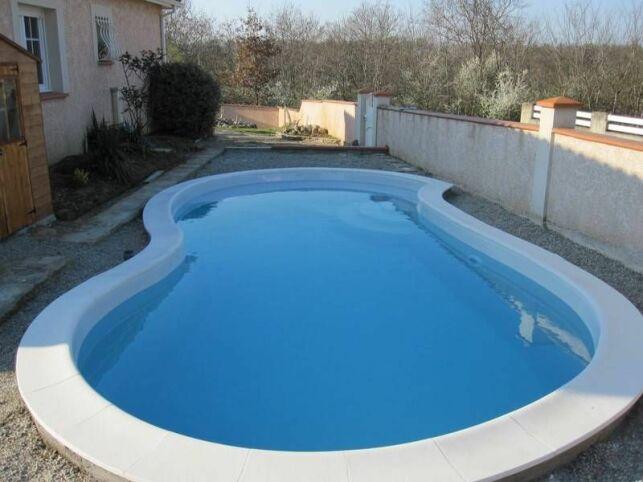 La piscine cacahuète, en forme de 8