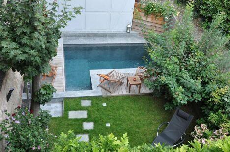 La piscine citadine forme angulaire par l'Esprit Piscine