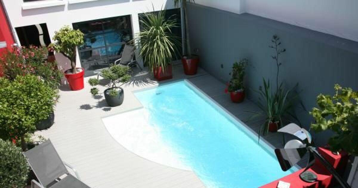 reportage photos piscines citadines et piscines urbaines la piscine citadine forme libre. Black Bedroom Furniture Sets. Home Design Ideas