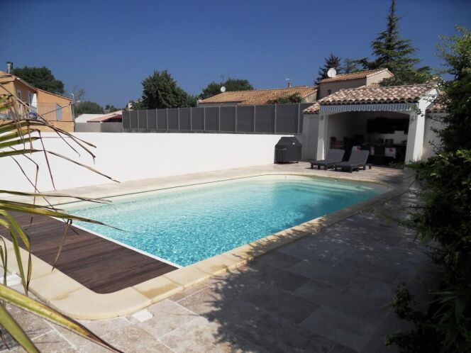 Les plus belles photos de piscines coque en polyester la for Construction piscine coque