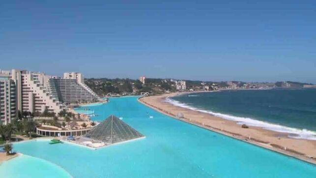 La piscine d'Algarrobo : la plus grande du Monde