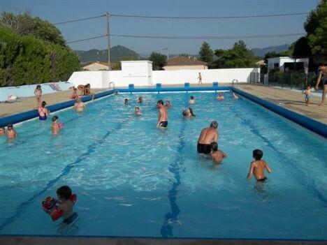 La piscine d'été de Cléon d'Andran