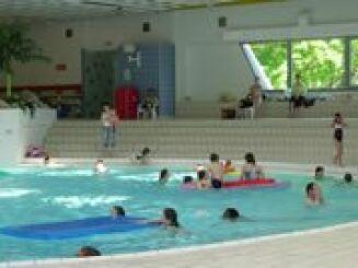La piscine d'Evron et son bassin intérieur