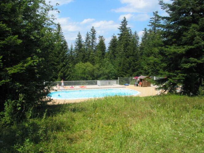 La piscine de Selonnet à Chabanon