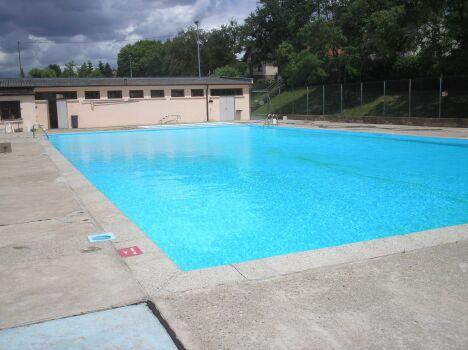 La piscine de Diemeringen et sa pataugeoire