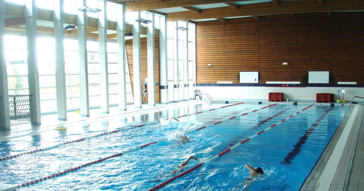 Piscine de guingamp horaires tarifs et photos guide for Tarif construction piscine
