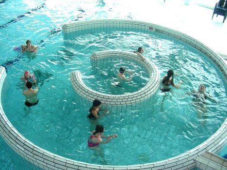 """La piscine de Guingamp possède plusieurs bassins<span class=""""normal italic petit"""">DR</span>"""