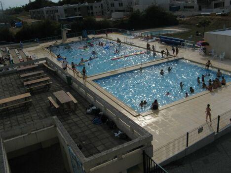 """La piscine de la Roche-Chalais<span class=""""normal italic petit"""">DR</span>"""