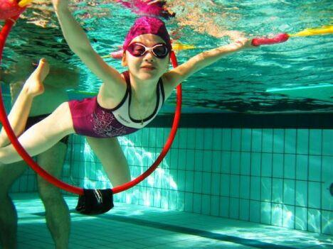 La piscine de Lamballe Communauté propose des activités pour les enfants.