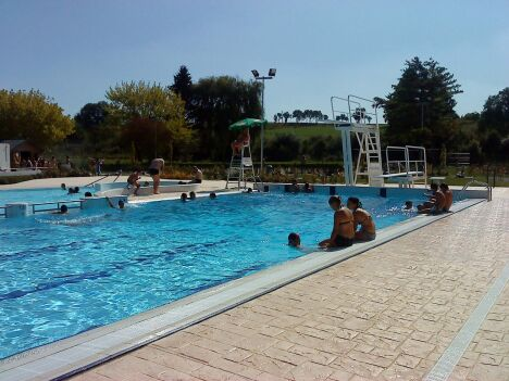 """La piscine de Montcornet - Chaourse<span class=""""normal italic petit"""">DR</span>"""