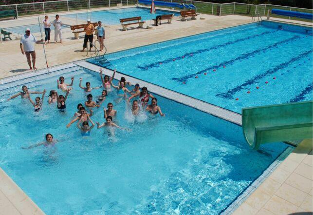 La piscine de plein air Aquaval à Merdrignac