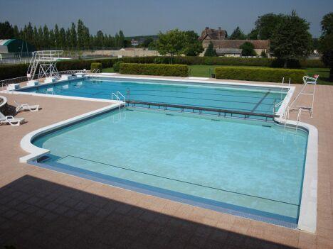 """La piscine de Saint Pierre sur Dives<span class=""""normal italic petit"""">DR</span>"""